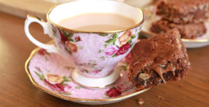 cup-of-tea-with-peanut-butter-brownie